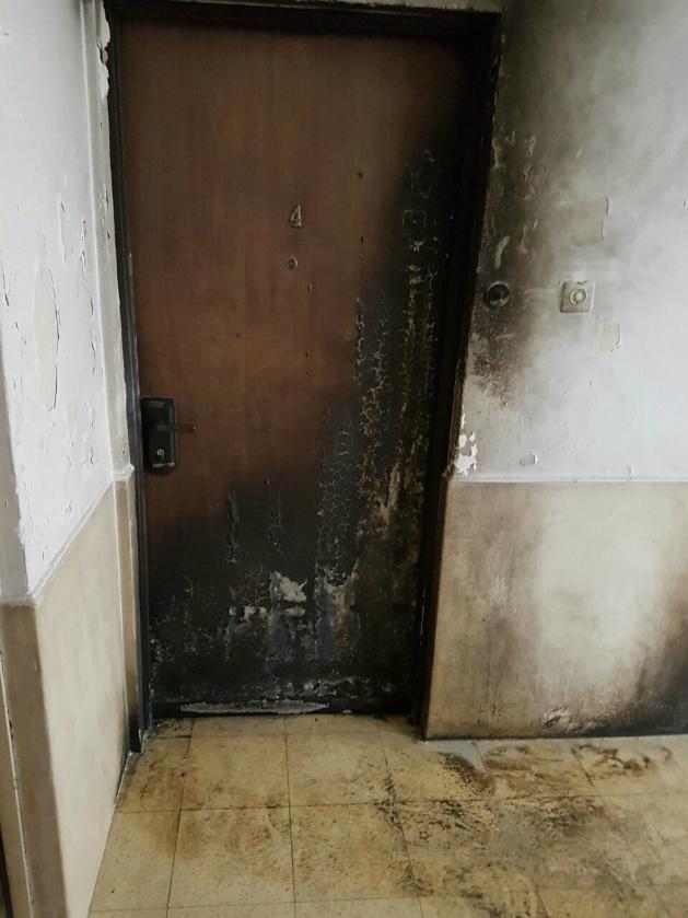 Две женщины и младенец оказались в горящей квартире