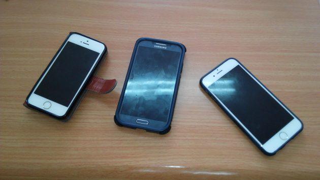Молодые люди приобретали «мобильники», расплачиваясь фальшивыми купюрами