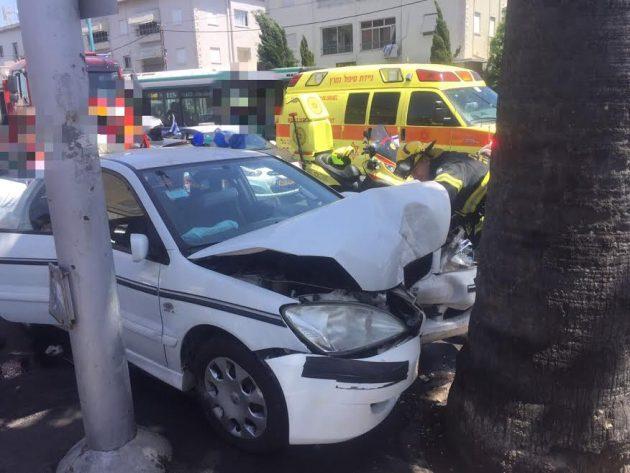 Шдерот ха-Наси: автомобиль врезался в дерево