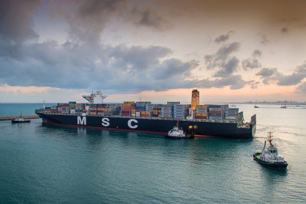 В Хайфском порт вошёл гигантский контейнеровоз