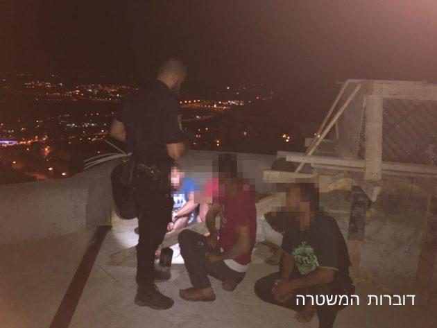 Нелегальные палестинские рабочие ночуют в Хайфе и Нешере