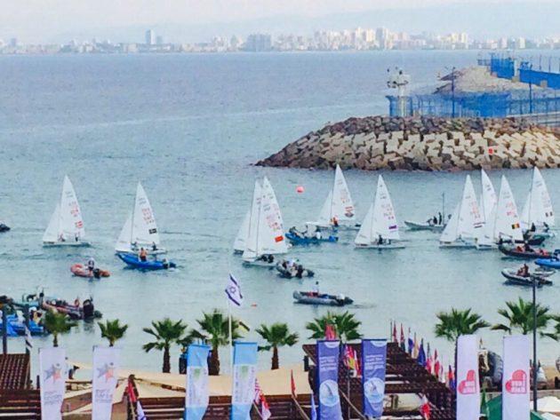 Редкое явление в Хайфском порту: заплыв около 1000 яхтсменов