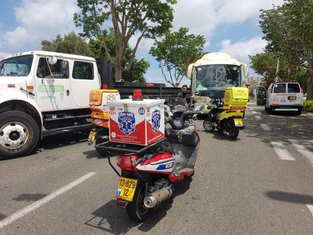 Автобус, перевозивший школьников, столкнулся с грузовиком