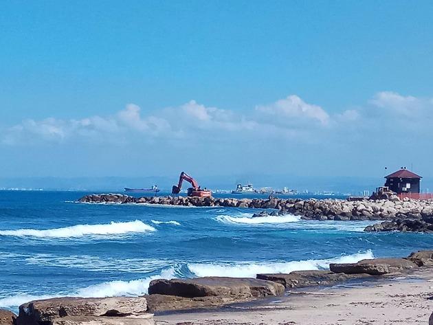 Причина появления тяжёлой техники на побережье Бат-Галима