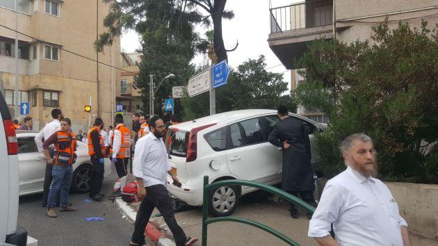 Авария на Адаре: пострадали 8 человек, включая детей
