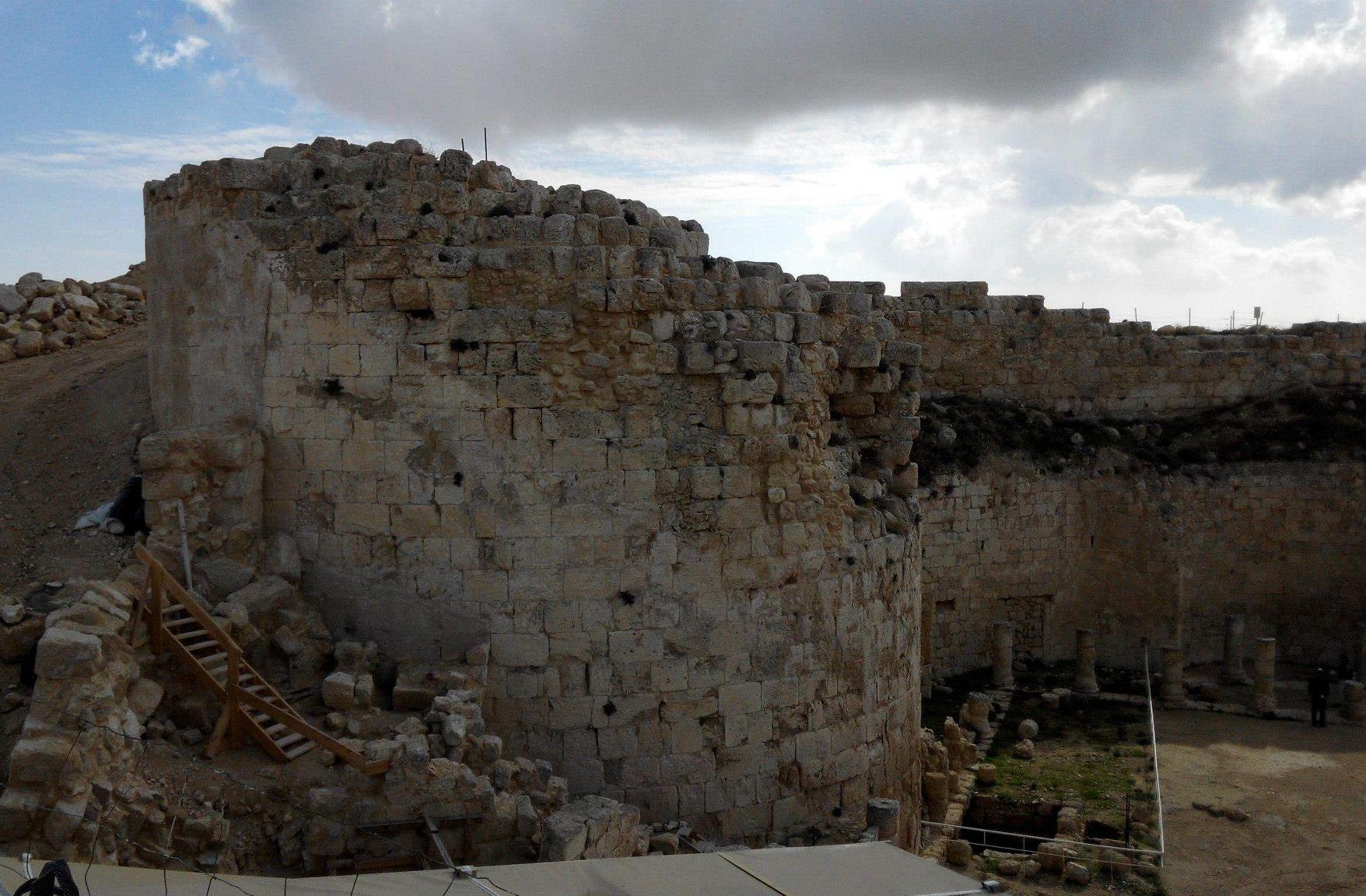Приглашаем на экскурсию: Иродион и «Пустынька»