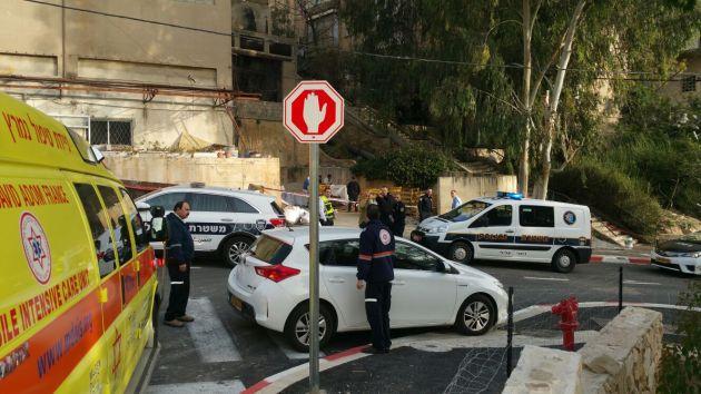 Адар: на тротуаре обнаружен мёртвый мужчина