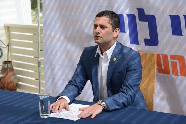 Нешер: новый кандидат в мэры