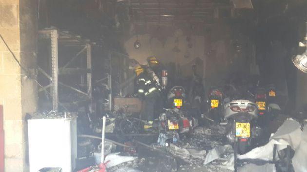 Сильный пожар на Дерех Гистадрут