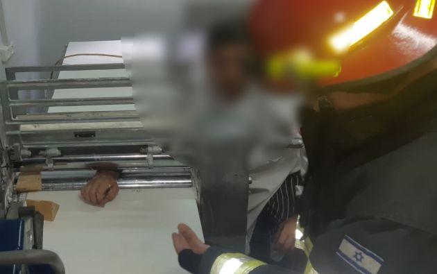 Драма в пекарне: рука работника застряла в смесительной машине