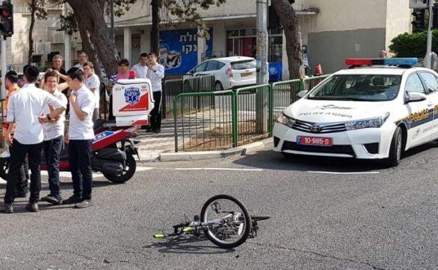 В Неве-Шаанане автомобиль сбил 8-летнего велосипедиста