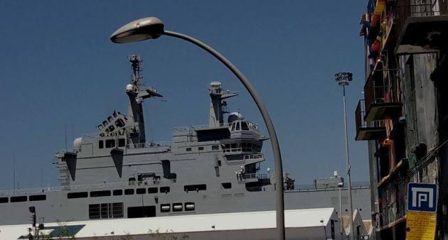 Сотни моряков и офицеров ВМФ Франции «захватили» вчера Нижнюю Хайфу