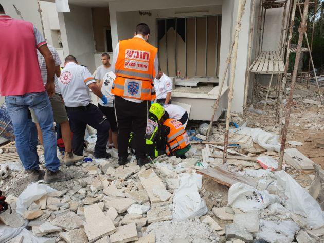 Центральный Кармель: мужчина упал с третьего этажа
