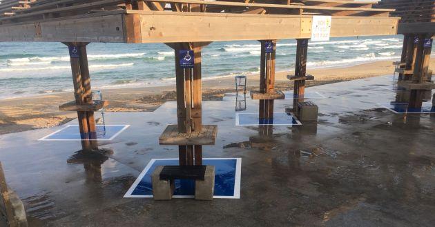 Экспериментальные дорожки и спецразметка на пляжах Хайфы