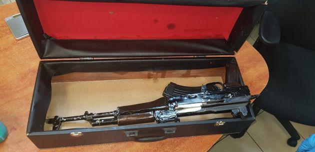 На Адаре отметили помолвку выстрелами из автоматов «Калашников»