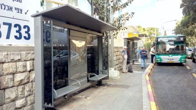 Почему автобусные остановки стали настолько неудобными