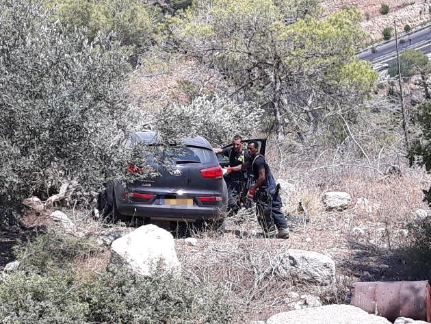 Внедорожник скатился в овраг, водителя долго искали…