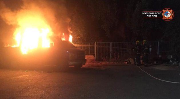 Кто за одну ночь поджог автомобиль, клинику и отделение больничной кассы?