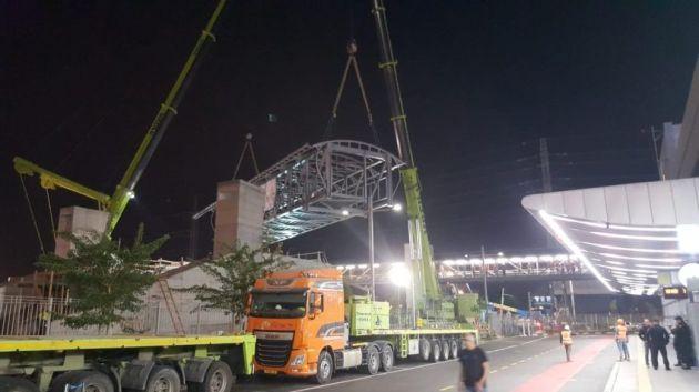 Новый крытый мост соединил автостанцию и торговый центр