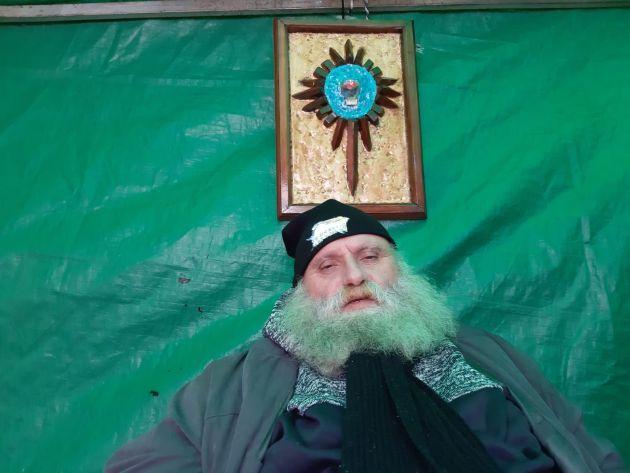Скандал с распятым Рональдом не утихает: Санта-Клаус начал голодовку рядом с музеем