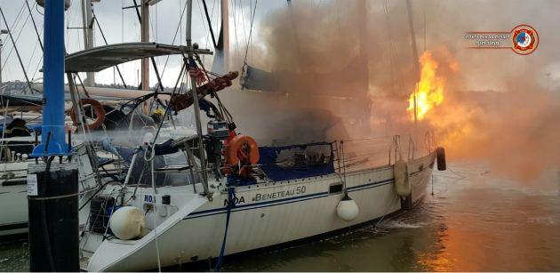 Пожар в порту: огонь угрожал перекинуться на яхты